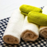 Soft freshly washed towels at Renes one of our aegean studios